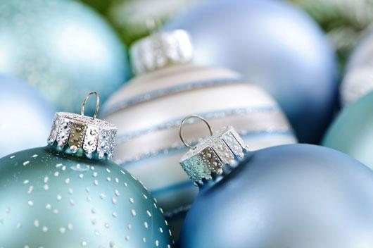 El-nuevo-árbol-navideño-Las-decoraciones-modernas-para-probar-en-el-árbol-de-navidad-Photo3