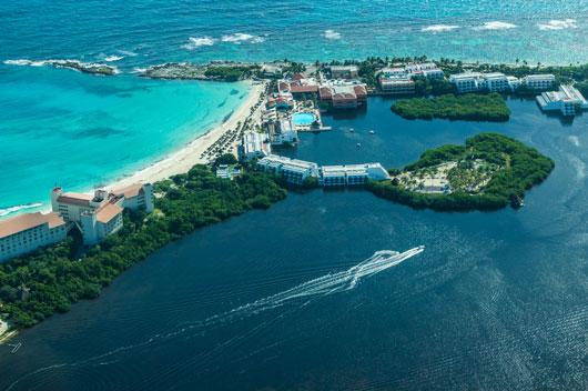 8-razones-por-las-que-la-Riviera-Maya-debe-de-ser-tu-próximo-destino-de-viaje-Photo1