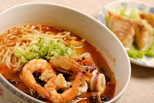 Cómo-dominar-la-sopa-casera-con-una-receta-asiática-con-tallarines--Photo7