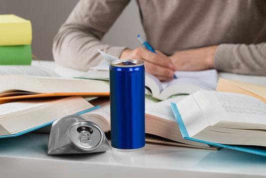 Efectos-secundarios-de-bebidas-energéticas-7-razones-por-las-que-necesitas-dejarlas-ya-Photo2