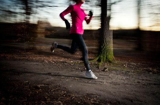 10-ejercicios-de-entrenamiento-de-resistencia-que-no-incluyen-pesas-Photo06