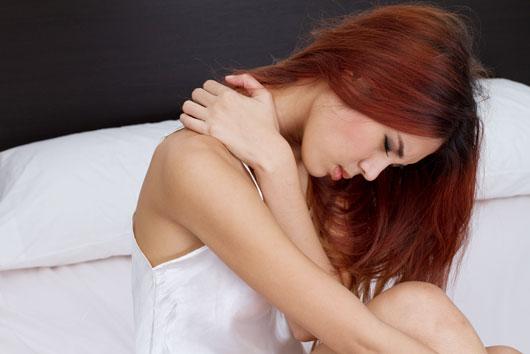 7 razones por las que siempre tienes dolor en la espalda alta-MainPhoto
