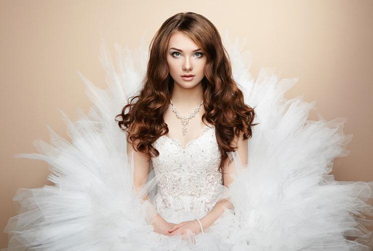 El arte de comprar vestidos de novias accesibles-MainPhoto