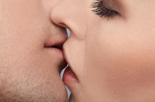 diferentes-tipos-de-besos-y-tu-signo-zodiacal-photo08