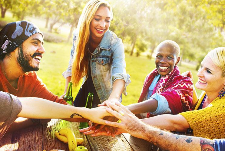 Por qué necesitas ir a un campamento de verano para adultos-MainPhoto
