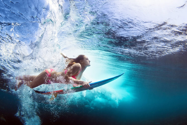 Why-Every-Woman-Should-Take-a-Surfing-Lesson-MainPhoto