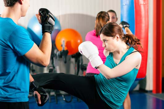 Tips-for-KickBoxing-Yourself-to-Fitness-MainPhoto