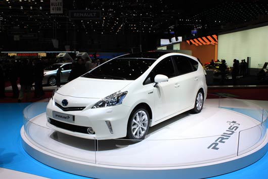 Toyota-Prius-A-Review-MainPhoto