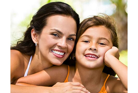Self-Acceptance-How-To's-for-Latina-Moms-and-Daughters-MainPhoto