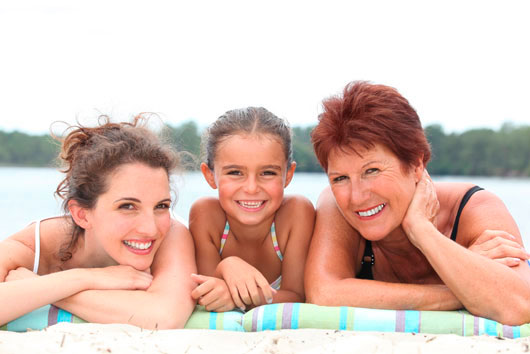 Vacationing-with-Mom-4-Valuable-Lessons-on-How-to-Bond-and-Survive-MainPhoto