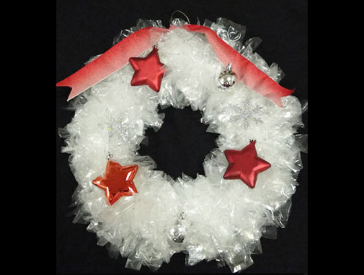Make-a-Gorgeous-Christmas-Wreath-Using-Sandwich-Bags-MainPhoto