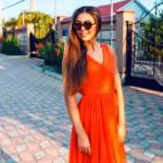 5-Wardrobe-Staples-in-Tangerine-Tango-MainPhoto