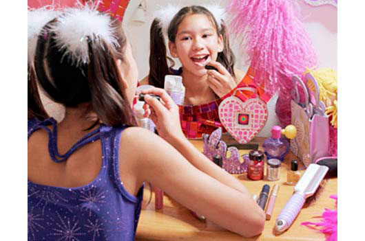Anti-Aging-Makeup-for-Tween-Girls--MainPhoto