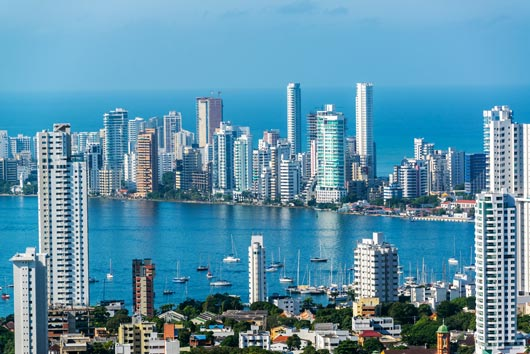 Mamiverse-Guide-to-Cartagena,-Colombia-MainPhoto