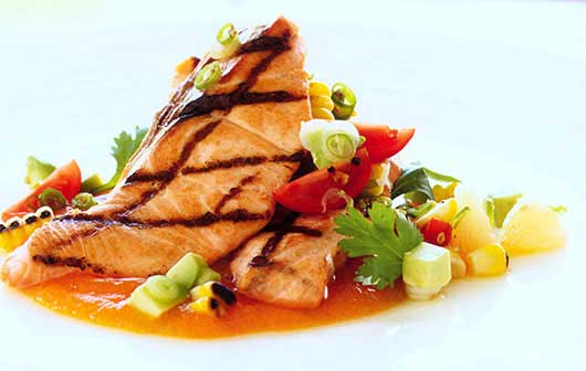 Salmon with Red Papaya–Tequila Sauce