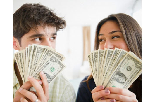 Financial-Infidelity-Not-Just-a-Woman-Thing-MainPhoto