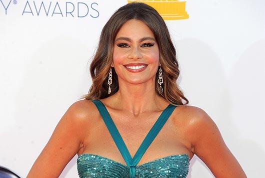 Sofia-Vergara-Has-an-Emmy-Awards-Wardrobe-Near-Miss!-MainPhoto