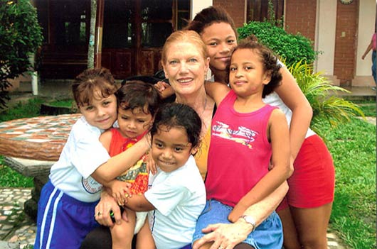 Our-Little-Roses-Ministry-Helps-Poor-Girls-in-Honduras-MainPhoto