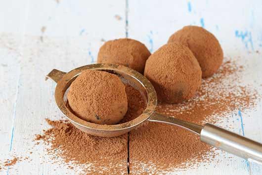 Super Easy Chocolate Truffles-MainPhoto
