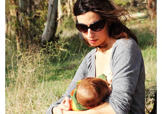 How-to-Overcome-Public-Breastfeeding-Challenges-MainPhoto