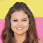 Selena-Gomez-Stirs-Up-Controversy-MainPhot