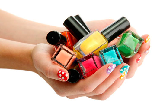Try-a-Fun-Cinco-de-Mayo-Manicure-MainPhoto