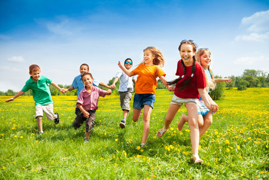 Help-Kids-Play-it-Safe-in-the-Summer-Heat-MainPhoto