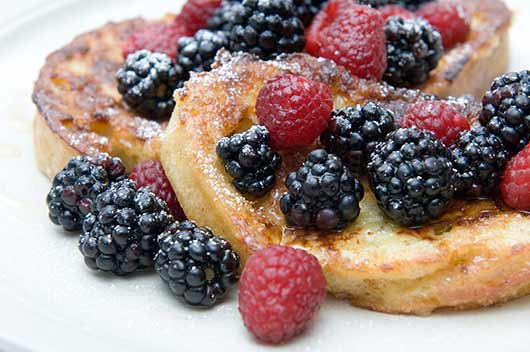 Corn-Flakes-Crusted-French-Toast-with-Berry-Maple-Syrup-MainPhoto