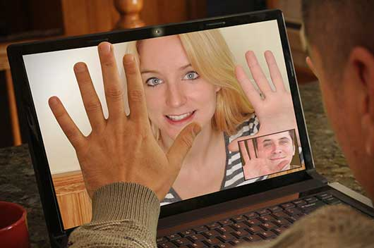 Online Dating Safety Tips-MainPhoto