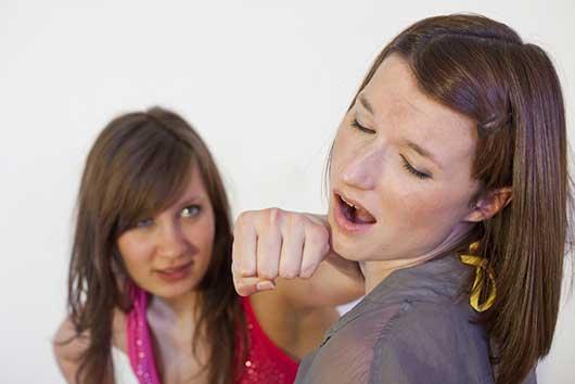 7 Surefire Ways to Lose a Friend-Photo7