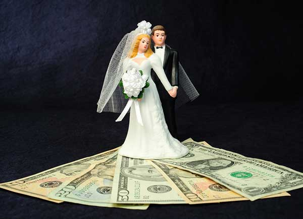 Money Matters Newlyweds Should Discuss-SliderPhoto