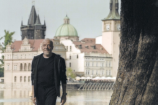 50 Paulo Coelho Quotes to Always Carry Inside