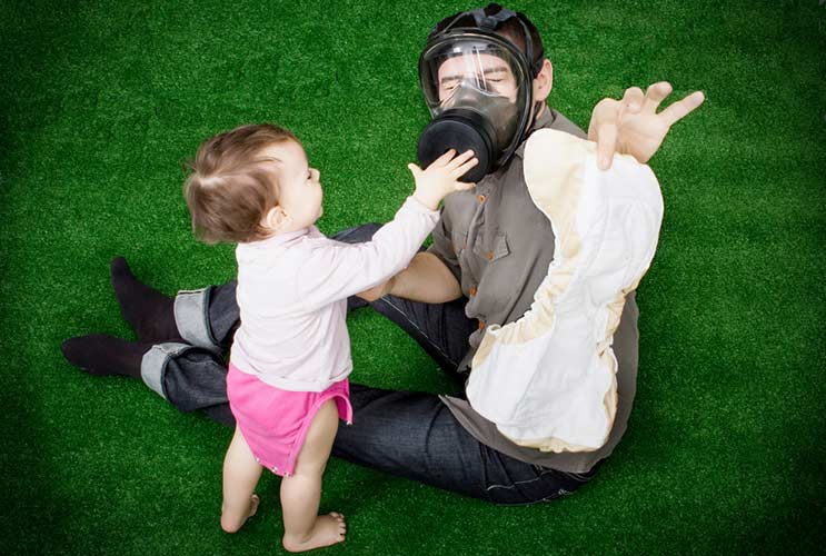 Dads-&-Their-Diaper-Disasters-MainPhoto