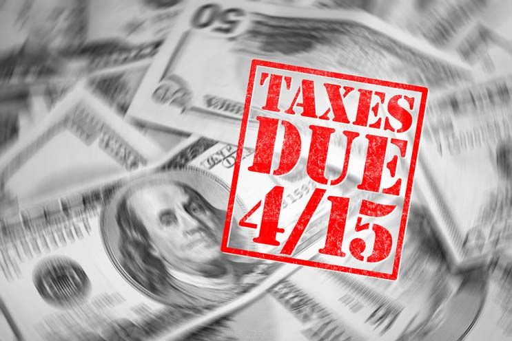 Tips-for-Filing-Your-Tax-Return-Last-Minute-MainPhoto