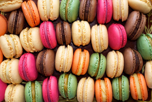 10-Ways-to-Serve-Macaroons-at-Your-Next-Event-photo5