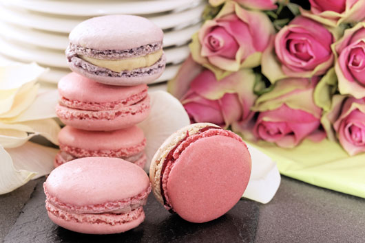 10-Ways-to-Serve-Macaroons-at-Your-Next-Event-photo9