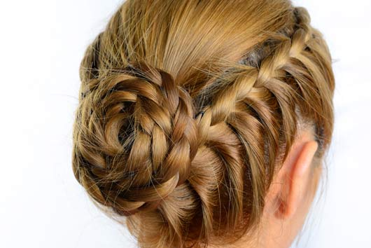 20 up-do ideas for brides that wont make your head look like a cake-Photo12