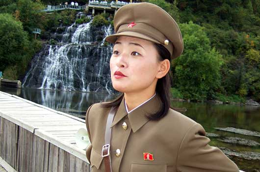 8 Military Uniforms Even Anna Wintour Would Approve-Photo2