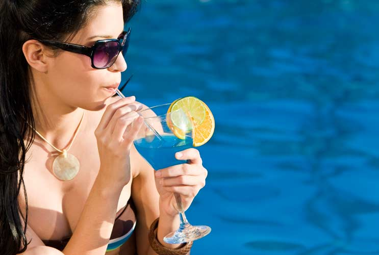 10-Poolside-Cocktails-You'll-Probably-Drink-Too-Fast-MainPhoto