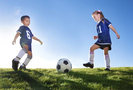 photo of girls playing soccer № 17695