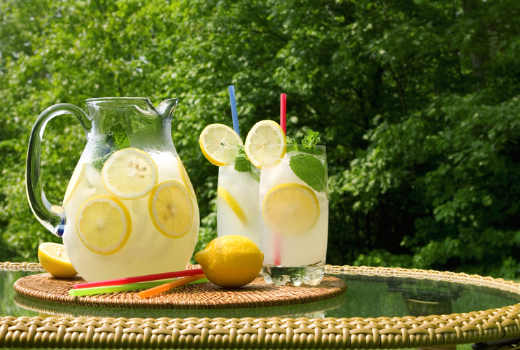 10-Ways-to-Sweeten-Lemonade-Without-Using-Sugar-MainPhoto