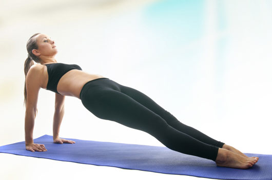 11-Plank-Variations-to-Carve-Out-Your-Abs-photo4