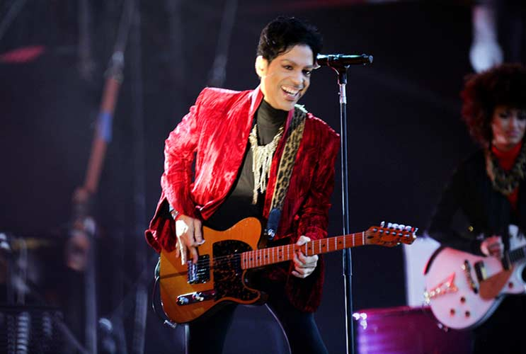 18-Reasons-Prince-Will-Forever-be-Rock-Royalty-MainPhoto