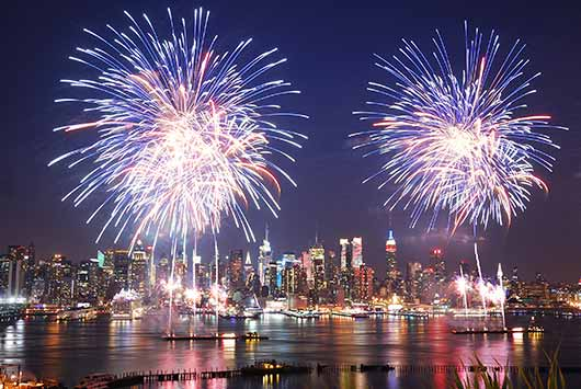 Go-Big-or-Go-Home-15-Best-Cities-to-Watch-July-4th-Fireworks-Photo1