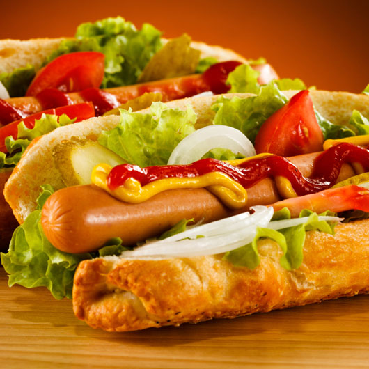 10-Great-Excuses-to-Eat-a-Hot-Dog-photo3