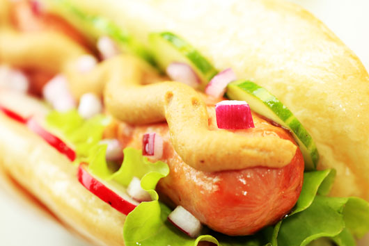 10-Great-Excuses-to-Eat-a-Hot-Dog-photo5