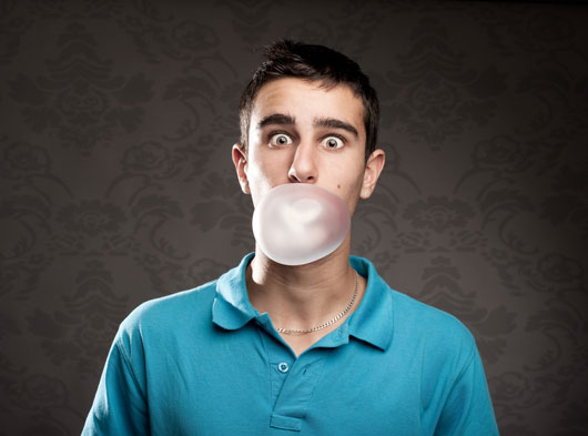 11-Reasons-Why-You-Should-Stop-Chewing-Gum-photo6