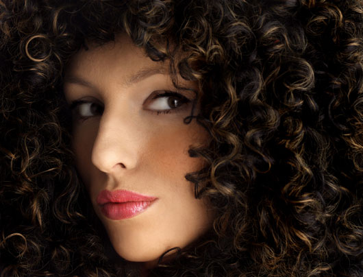 20-Ways-to-Properly-Manage-Your-Curls-photo3