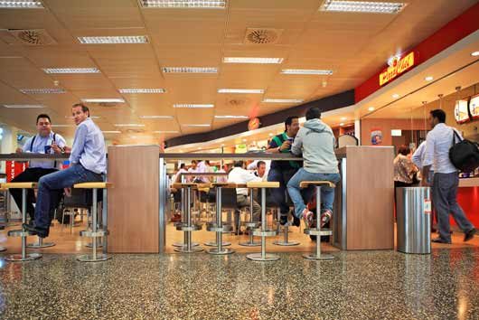 Grub-on-the-Go-The-20-Best-Airport-Eateries-around-the-World-MainPhoto