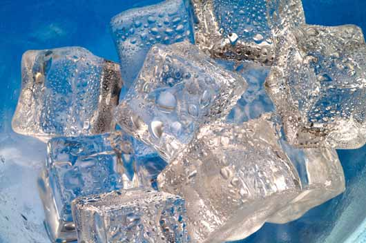 10-Cool-Things-you-can-do-with-Ice-Trays-MainPhoto